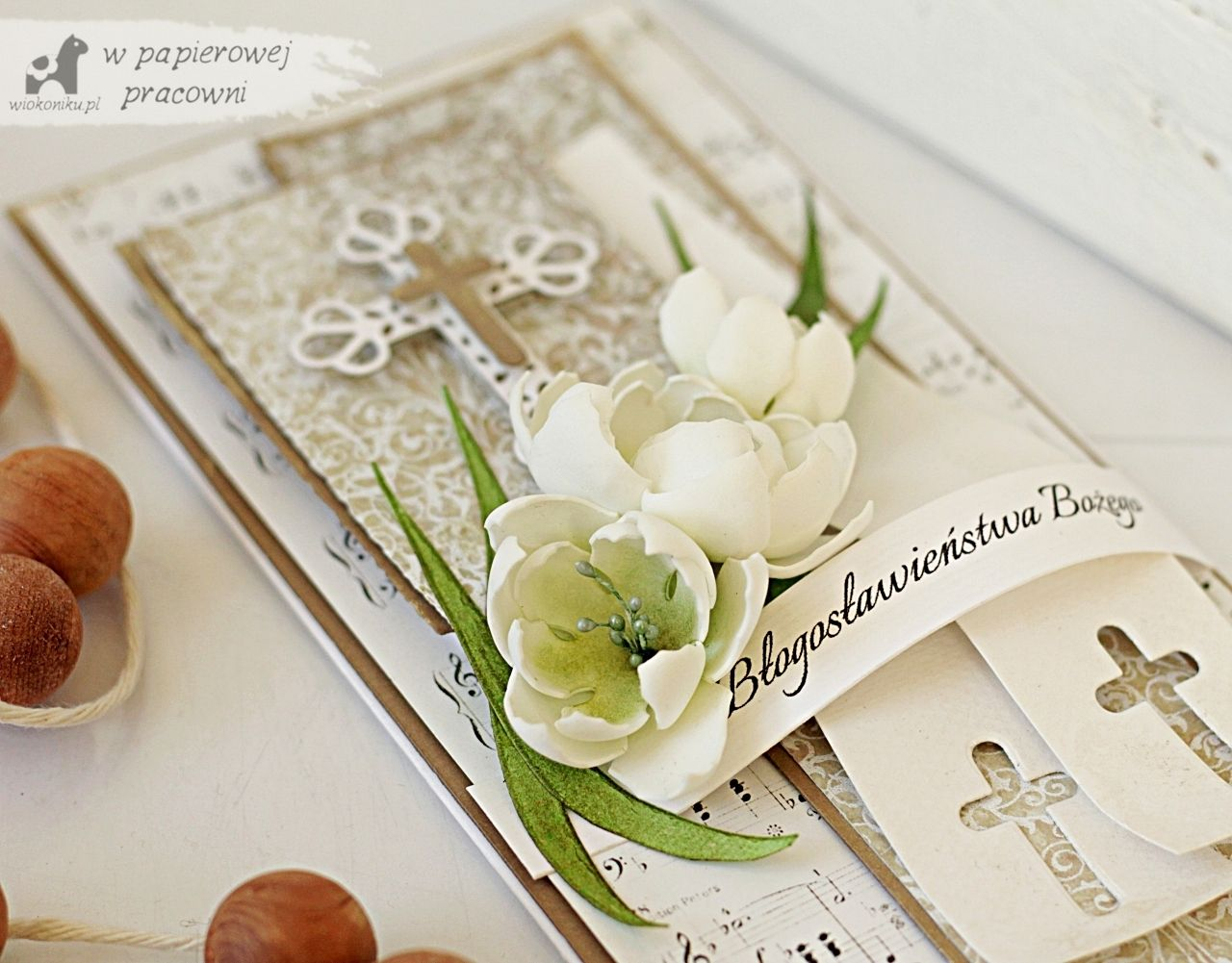 Kartka z okazji świecen kapłańskich z kwiatami z foamiranu