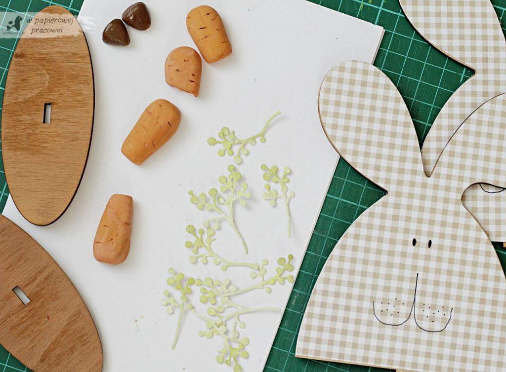 Elementy dekoracji z masy samoutwardzalnej marchewki i nosy