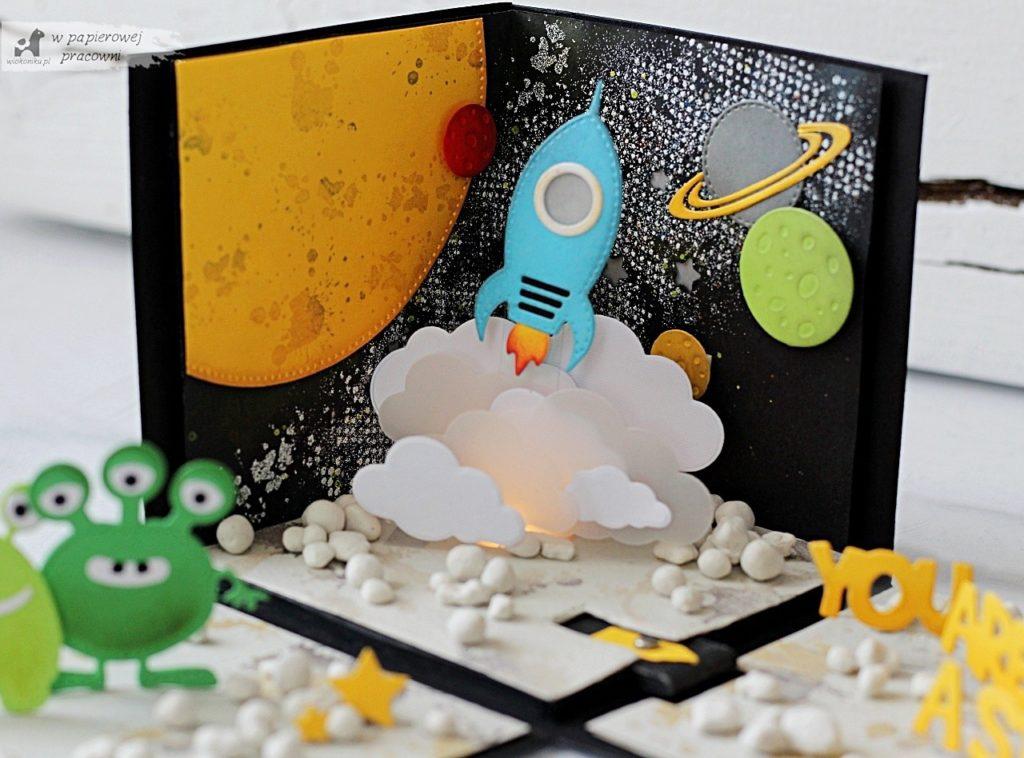 box kosmiczny dla chłopca z podświetlaną rakietą