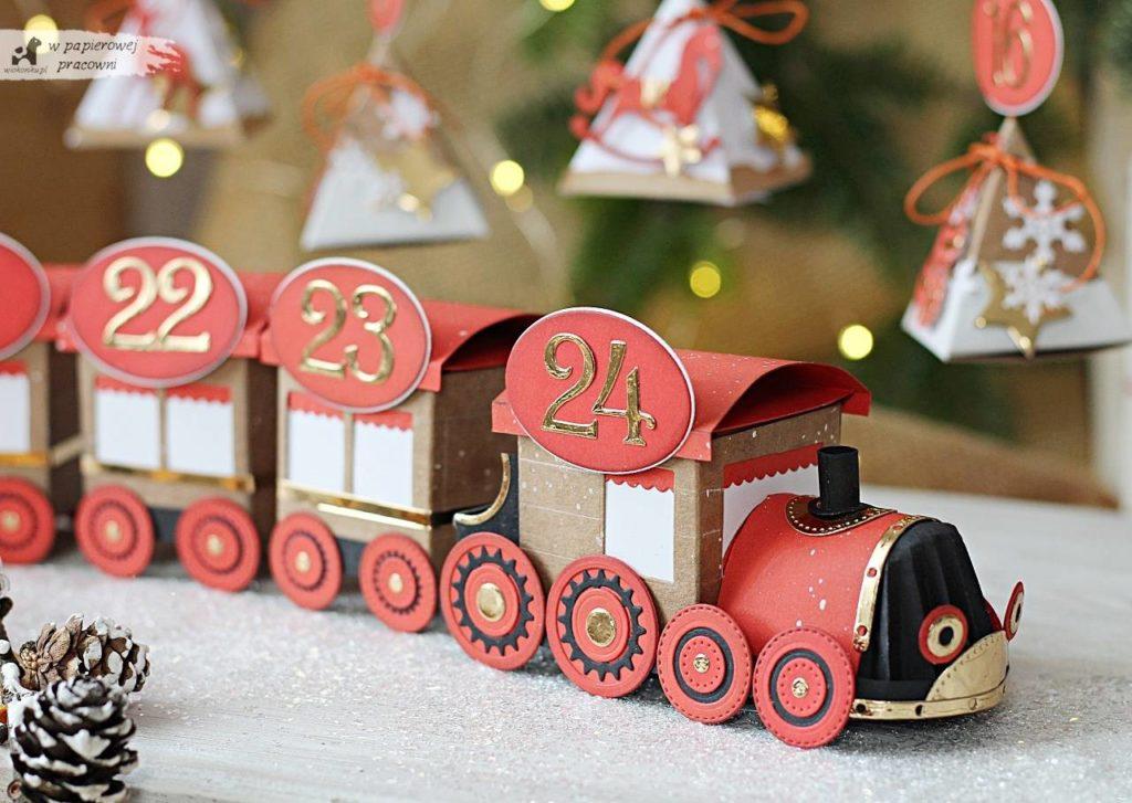 Kalendarz adwentowy - lokomotywa pociągu zimowego.