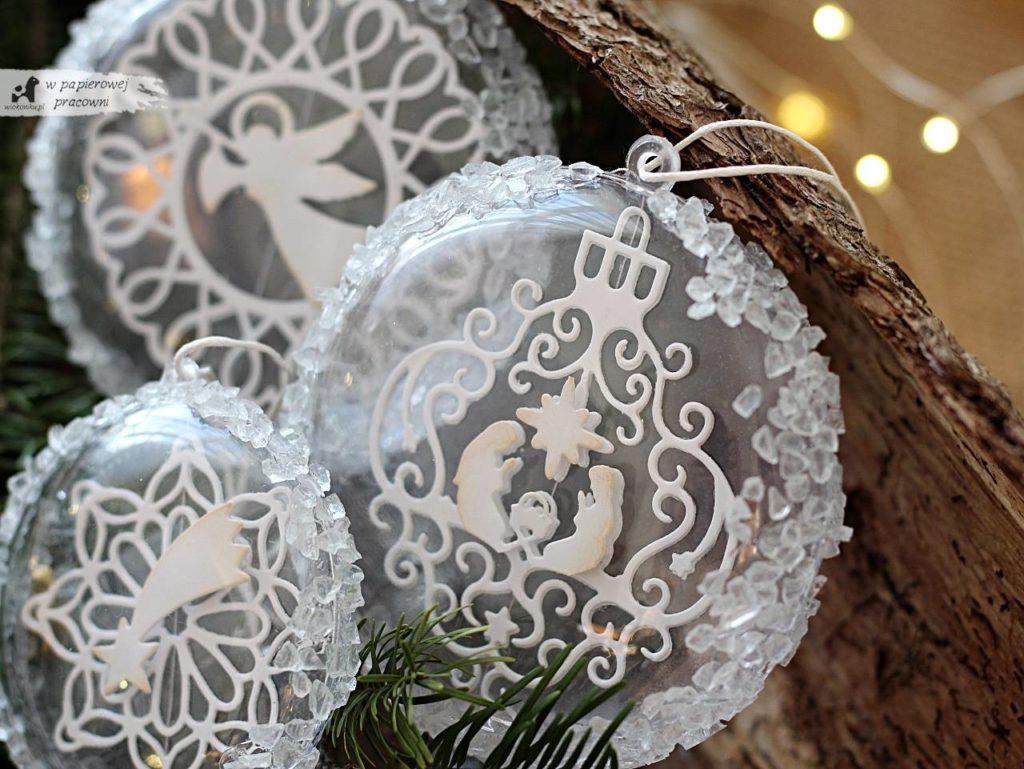 Dekoracja świąteczna - bombki z kryształkami lodu