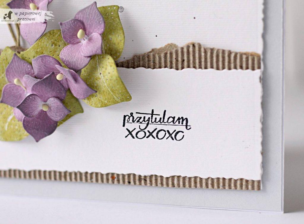 Kartka z bukiecikiem fiołków i życzeniami
