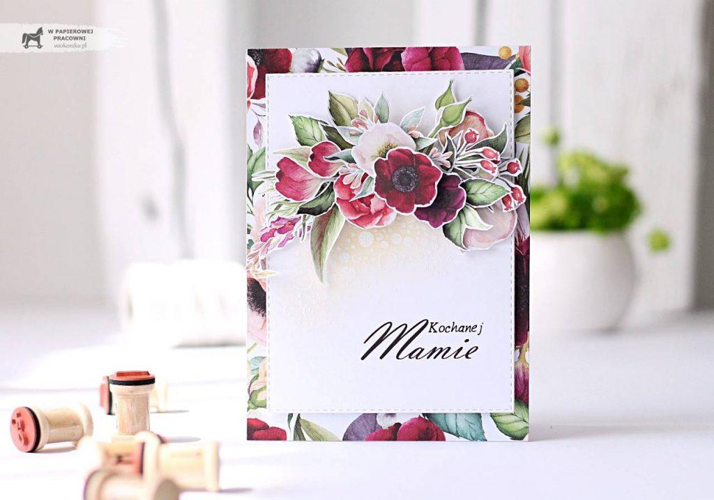Kartka na Dzień Matki z bukietem kwiatów.