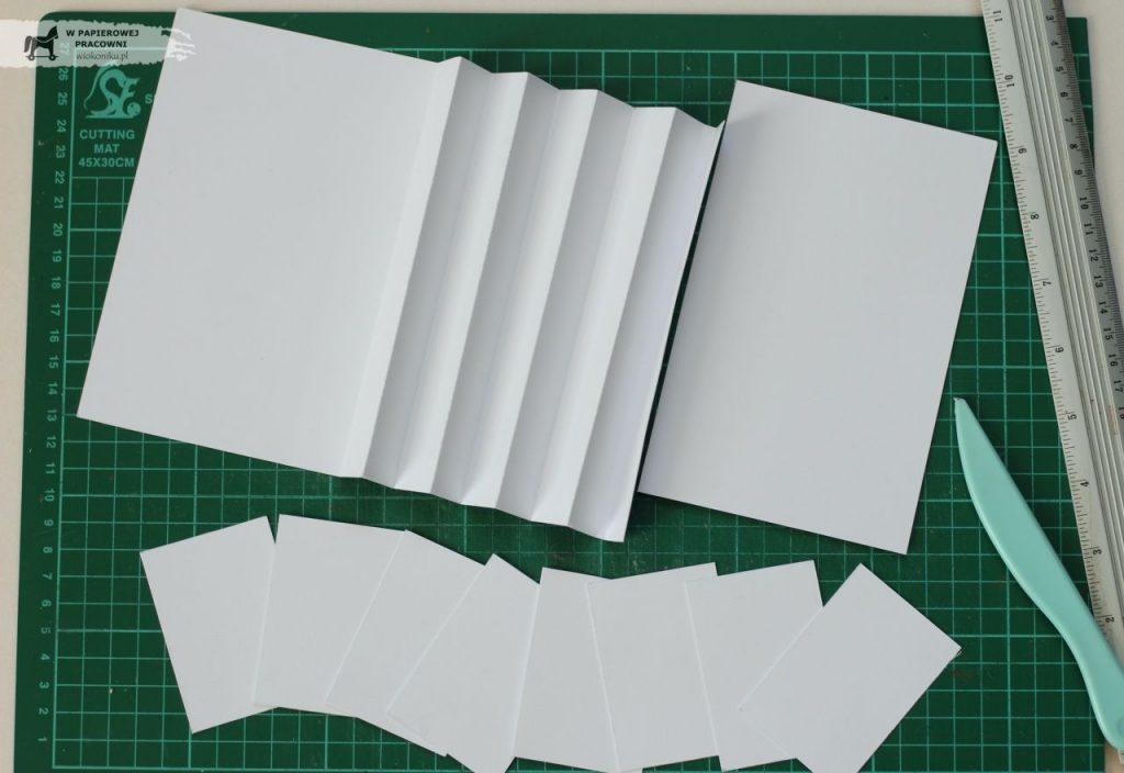 Przygotowane elementy do wykonania kartki akordeonowej