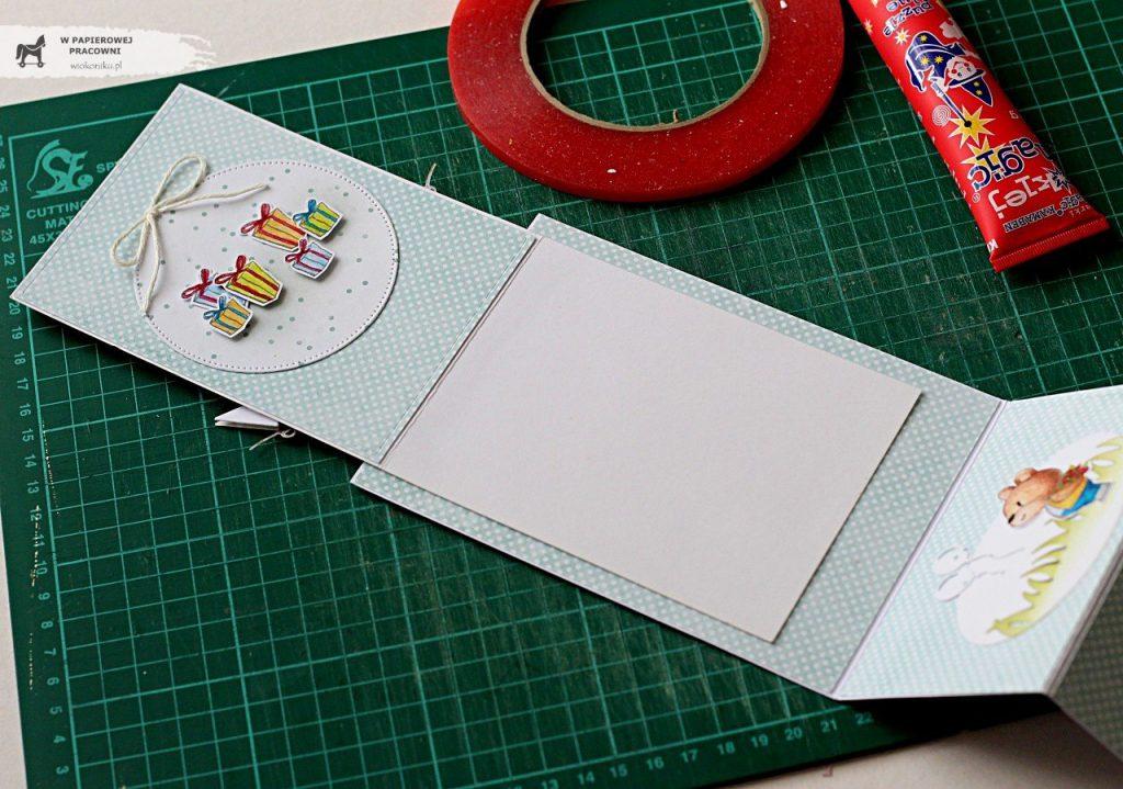 Złożenie w całość podstawowych elementów kartki sztalugowej.