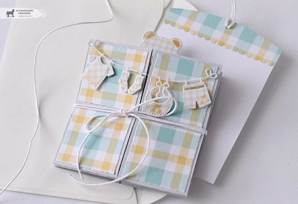 Dziecięca kartka Triple pop up cube - po złożeniu mieści się w kopercie