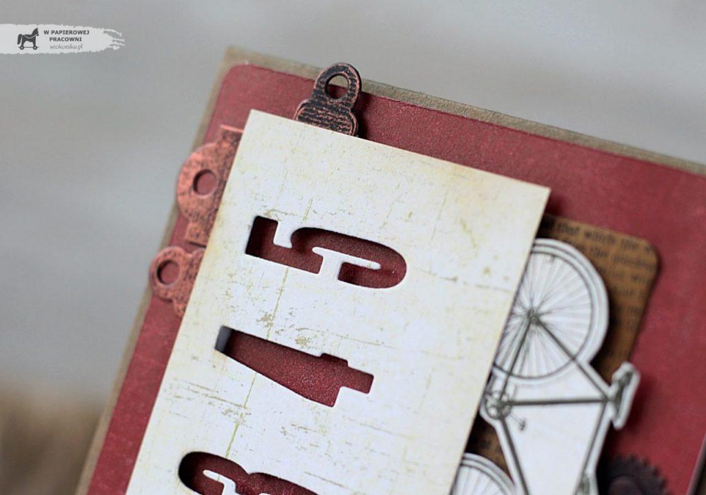Zbliżenie szczegóły - drobne dekoracyjne tagi wykończone woskiem w kolorze miedzi